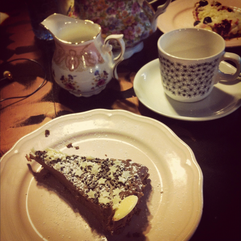 cake dates: once upon a tart;