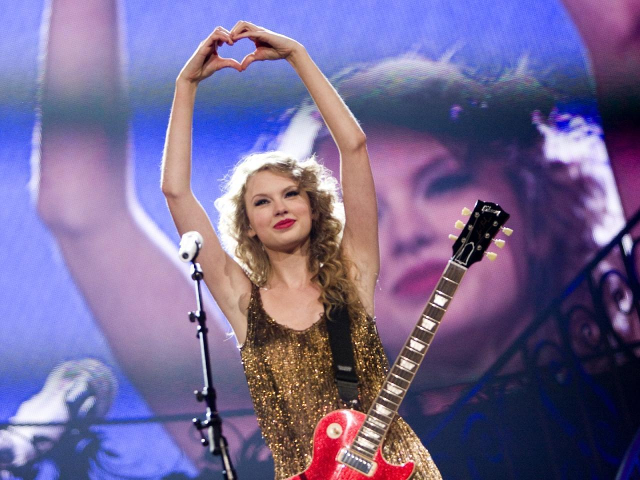 i had the time of my life fighting dragons with you: long live taylor swift;