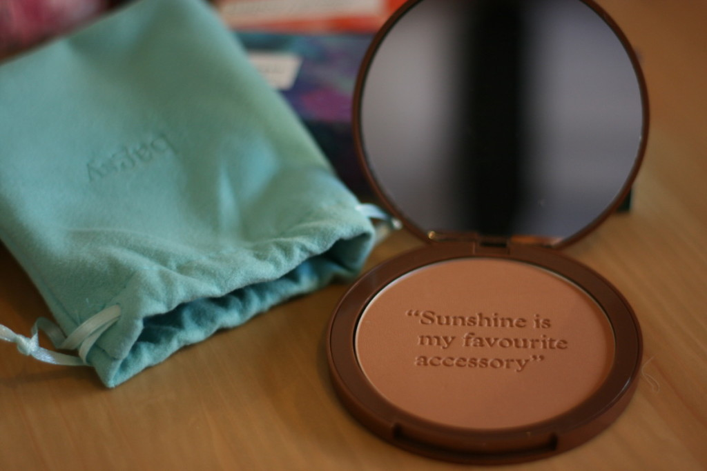 Bagdy Beauty Haul - Ray of Sunshine bronzing powder