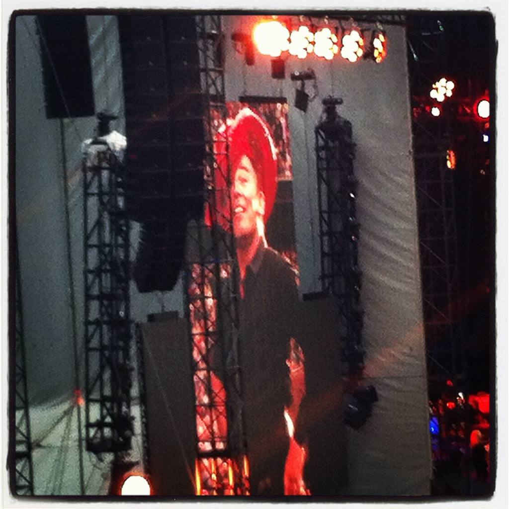 Bruce Springsteen live - pink stetson in Manchester