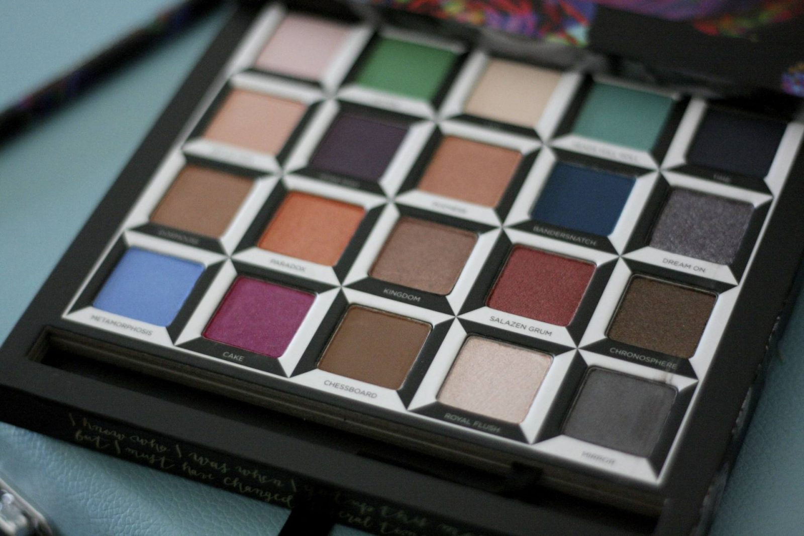 Urban Decay Alice in Wonderland Through the Looking Glass Palette