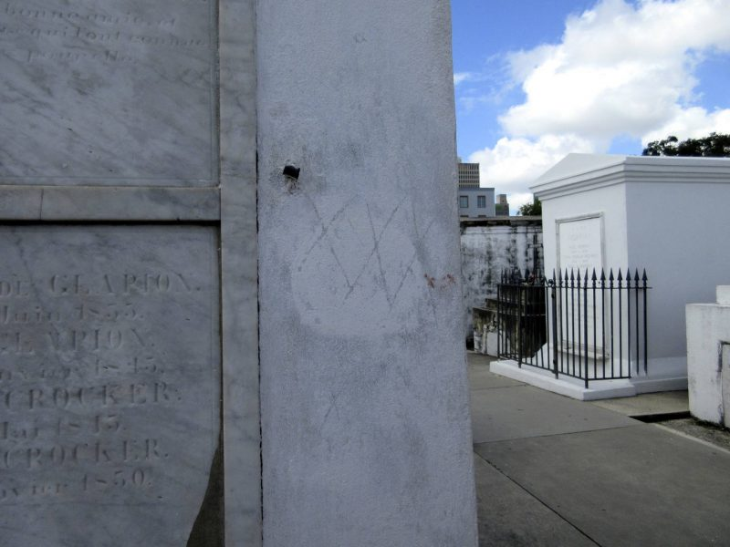 New Orleans St Louis Cemetery No. 1 Cemetery Tour - Voodoo Queen Marie Laveau's tomb