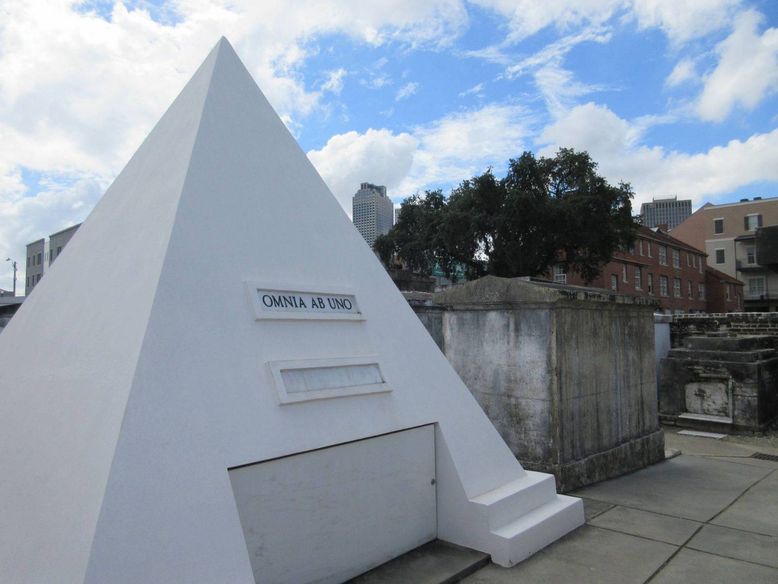a new orleans cemetery tour;