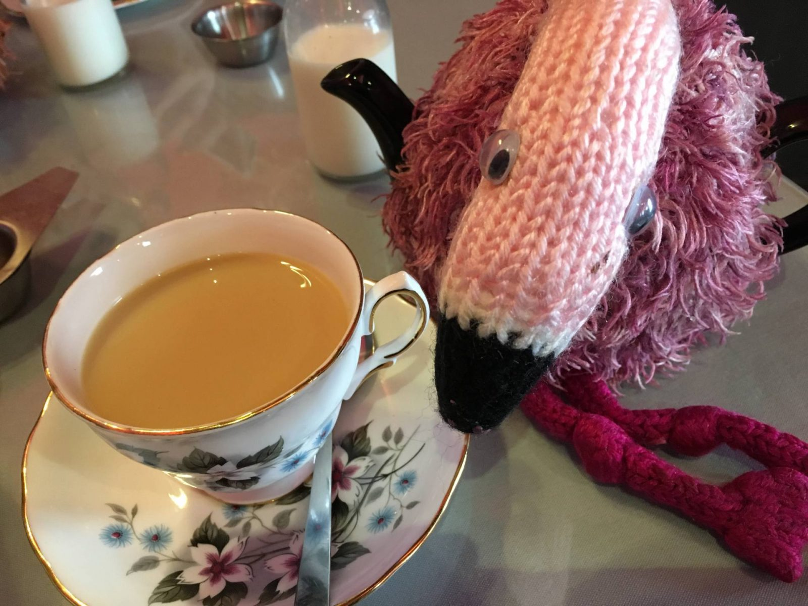 Cake Dates - Tea Jennys flamingo cosy