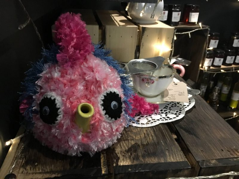 Cake Dates - Tea Jennys owl tea cosy