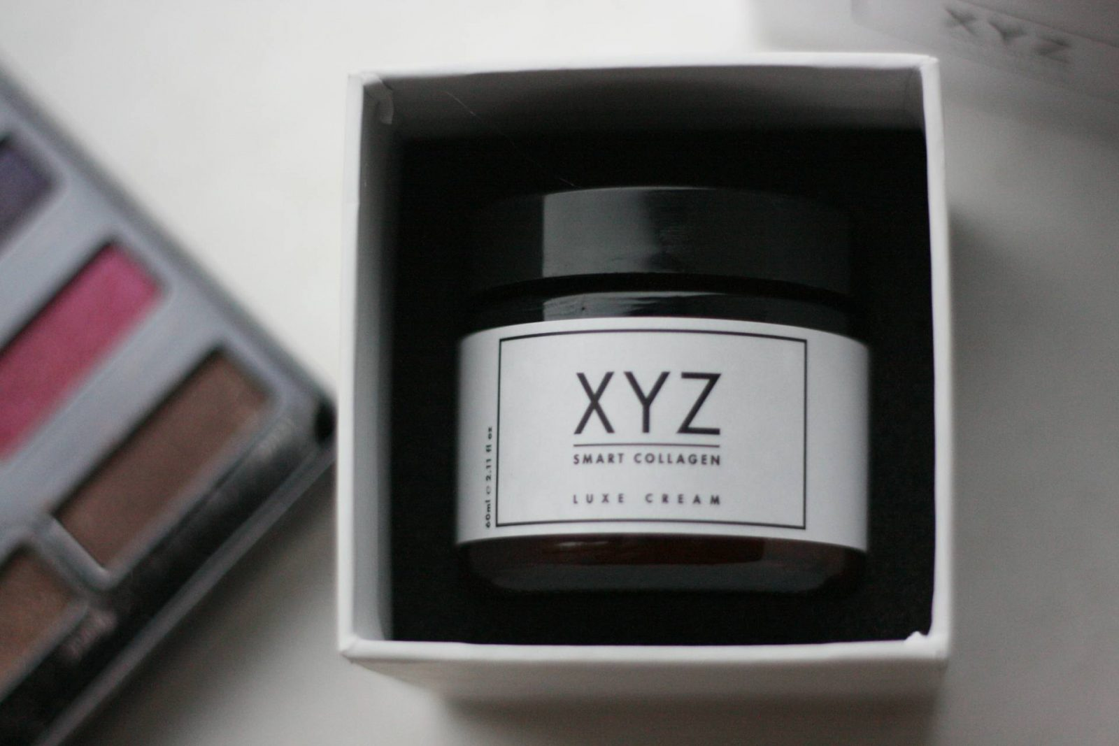 XYZ Collagen Cream - in-box view