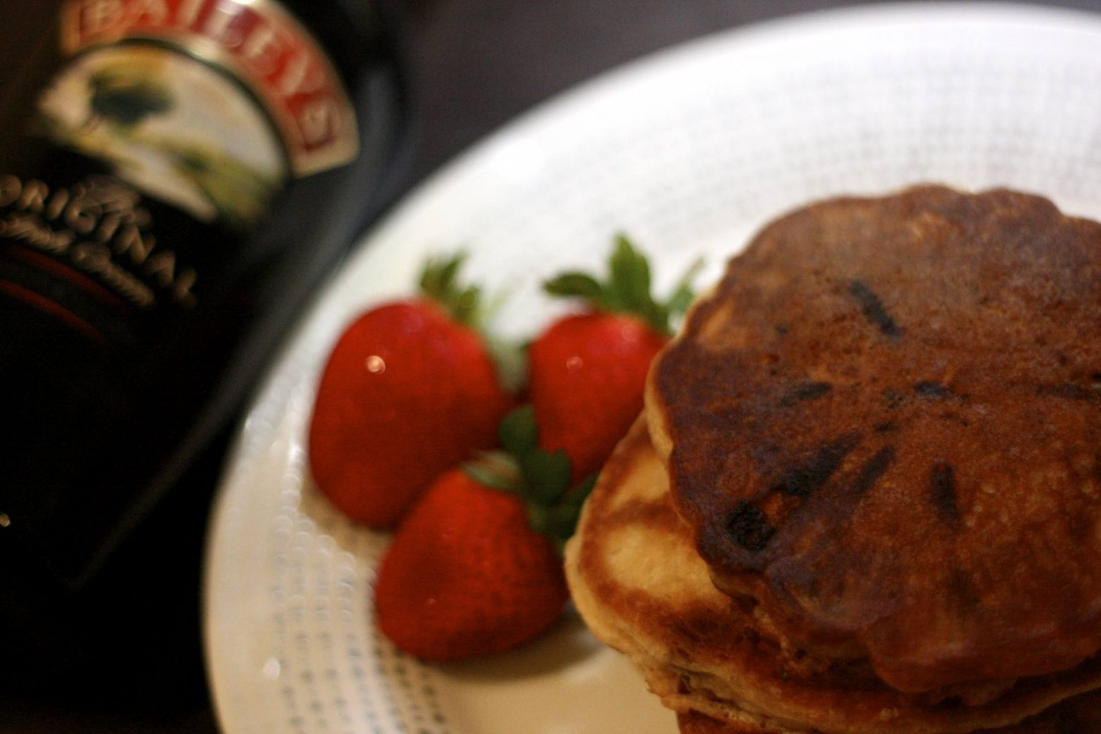 dubious home baking: boozy baileys chocolate chip pancakes;
