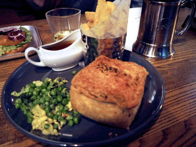 O'Neills Merchant Square Glasgow restaurant review - Steak and Guinness pie