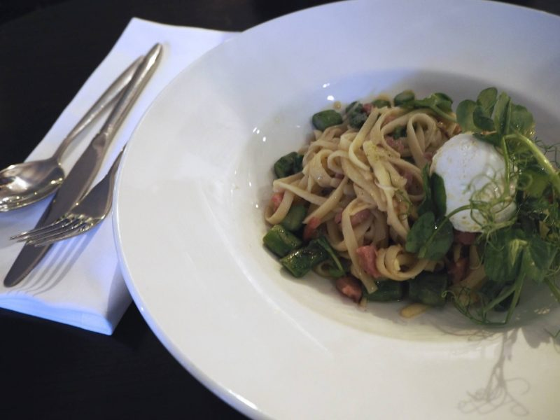 Browns Glasgow restaurant review - asparagus and pancetta linguine