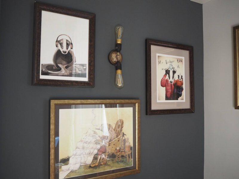Badger & Co - Edinburgh restaurant review - badger-themed artwork