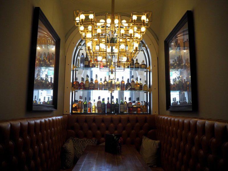 Badger & Co - Edinburgh restaurant review - booth