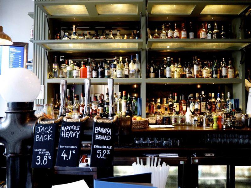 Badger & Co. - Edinburgh restaurant review - bar