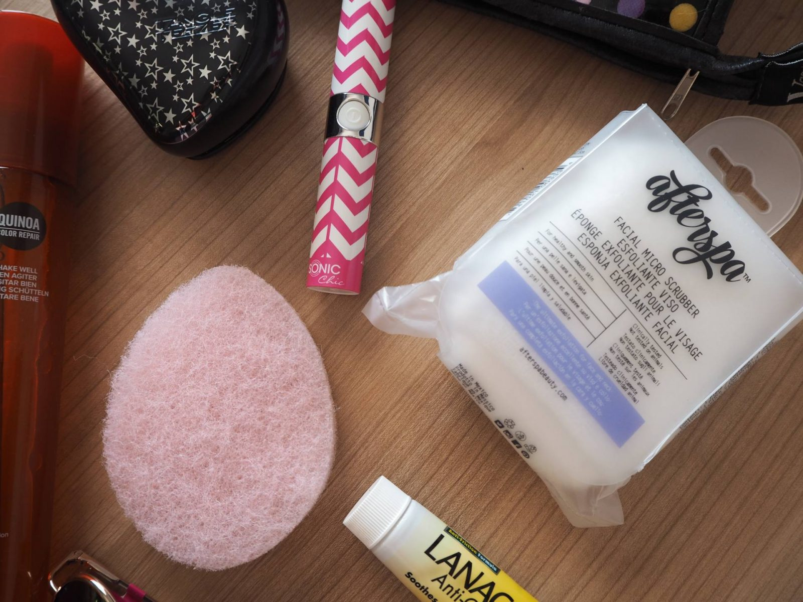 summer holiday beauty essentials (and the one i left without);