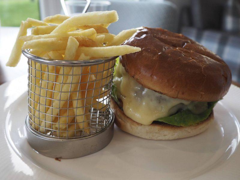 Gleddoch Spa review - cheeseburger