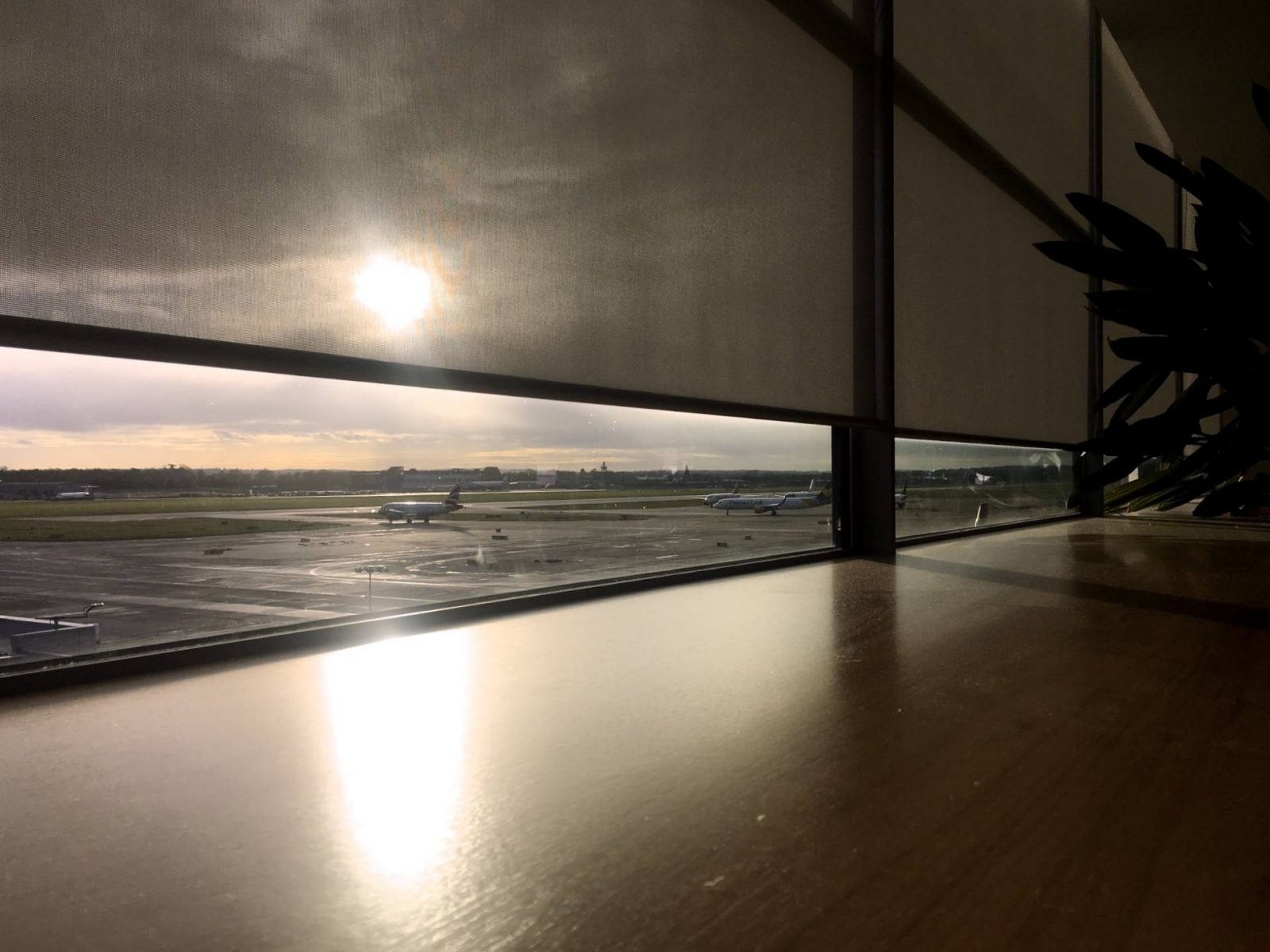 stopping over in style with no1 lounges, gatwick airport;
