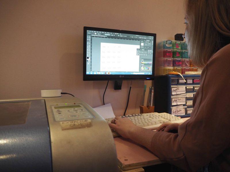 Bonnie Bling jewellery-making workshop - Mhairi Mackenzie at work
