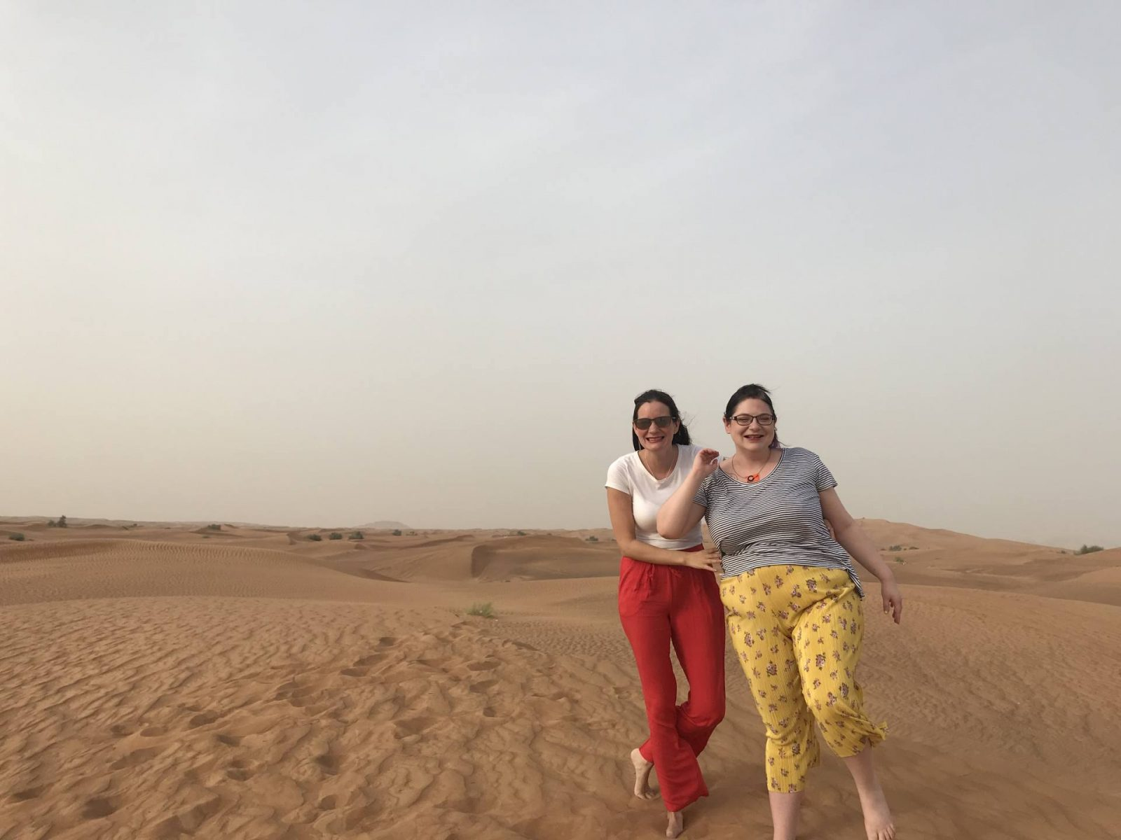 Eesmee and Cha do the Dubai Desert Safari