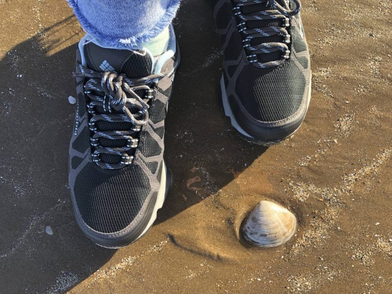 #ccwbloggerroadtrip A/W18 - playing in the sand at St Andrews Beach in Columbia trainers