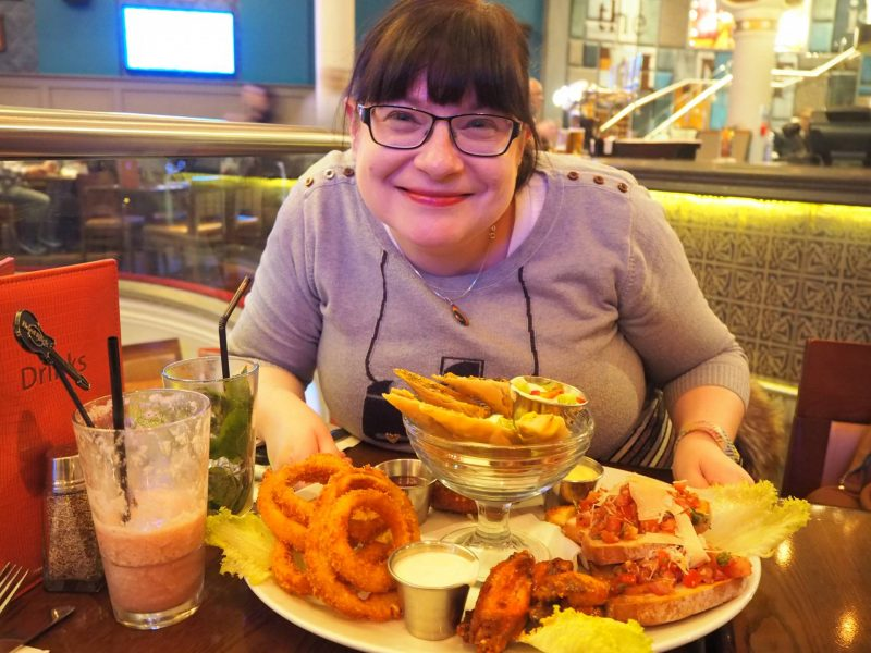 Last Year's Girl with the world's biggest platter of starters at Hard Rock Cafe, Glasgow