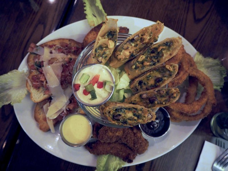 Hard Rock Cafe Glasgow restaurant review: Jumbo Combo starter platter