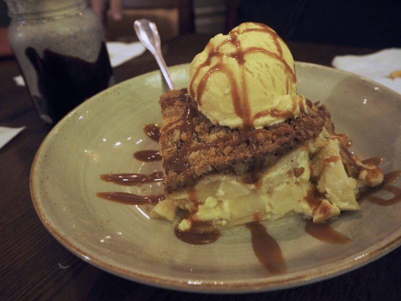 Hard Rock Cafe Glasgow restaurant review - apple cobbler